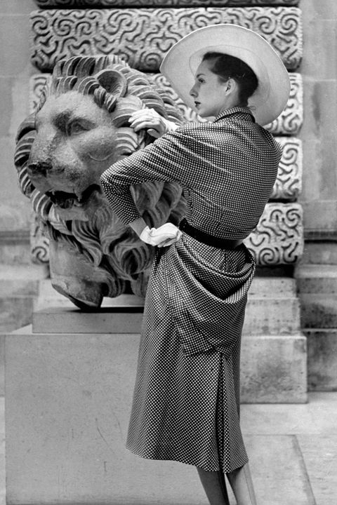 Lion, Sculpture, Style, Monochrome, Big cats, Monochrome photography, Temple, Black-and-white, Felidae, Carving,