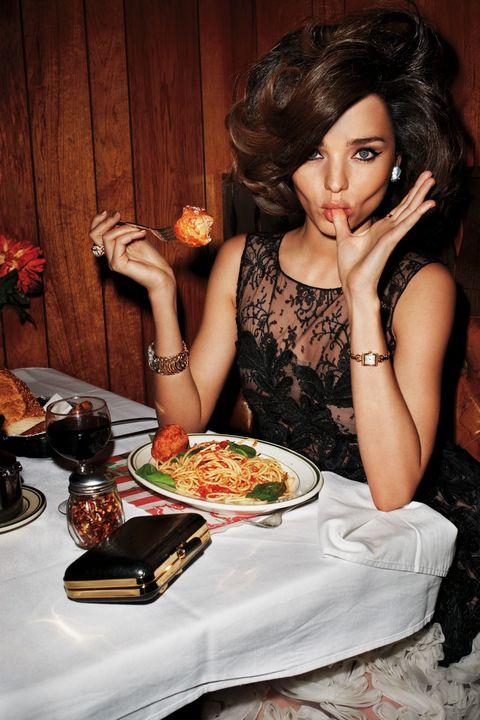 Cuisine, Food, Tableware, Dish, Plate, Meal, Dishware, Food craving, Recipe, Garnish,