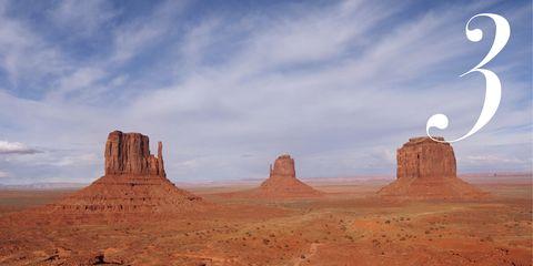 Sky, Natural environment, Cloud, Rock, Landscape, Aeolian landform, Bedrock, Plateau, Butte, Outcrop,