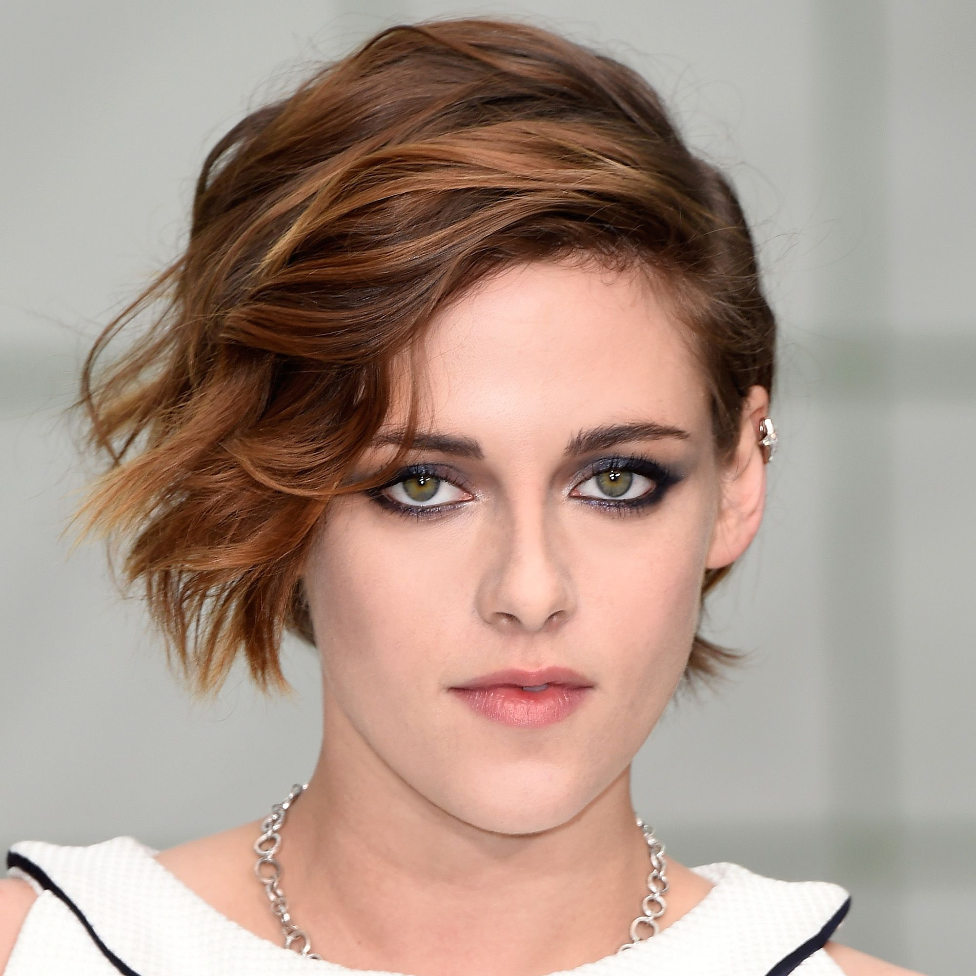 PARIS, FRANCE - JANUARY 27:  Kristen Stewart attends the Chanel show as part of Paris Fashion Week Haute Couture Spring/Summer 2015 on January 27, 2015 in Paris, France.  (Photo by Pascal Le Segretain/Getty Images)