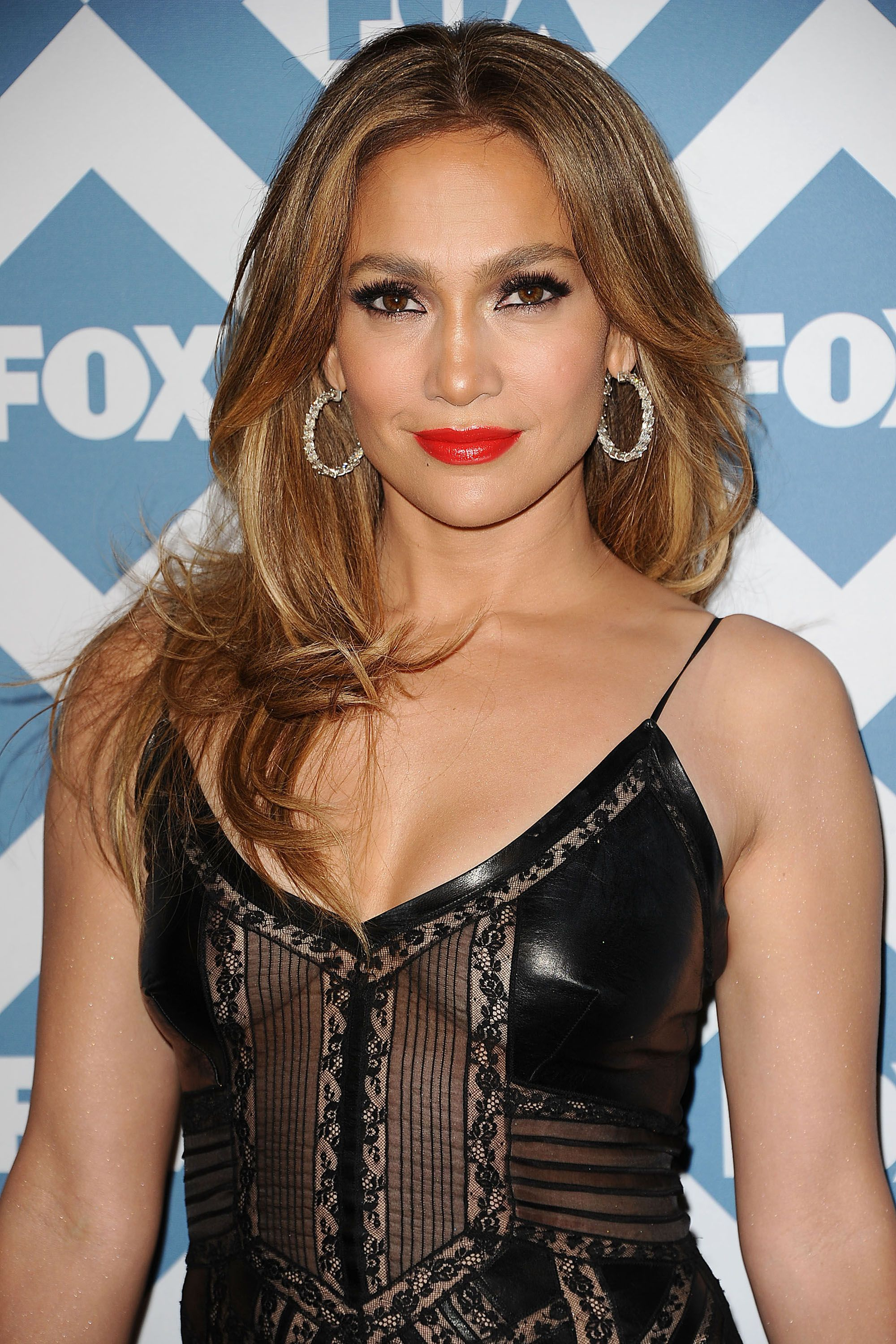 Jennifer Lopezs Hair And Beauty Looks Pictures Of J Los Beauty