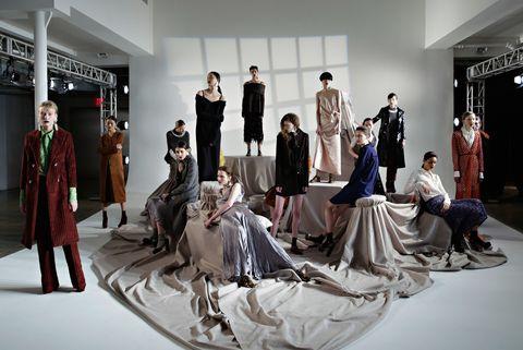 Dress, Costume design, Formal wear, Fashion, Gown, Fashion design, Haute couture, Costume, Fashion model, One-piece garment,