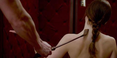 Shoulder, Wrist, Muscle, Back, Chest, Gesture, Long hair, Flesh, Red hair, Kitchen utensil,