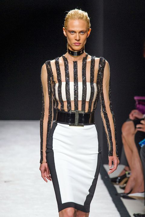 Best Bondage Fashion On The Runway - Bondage-Inspired -9899