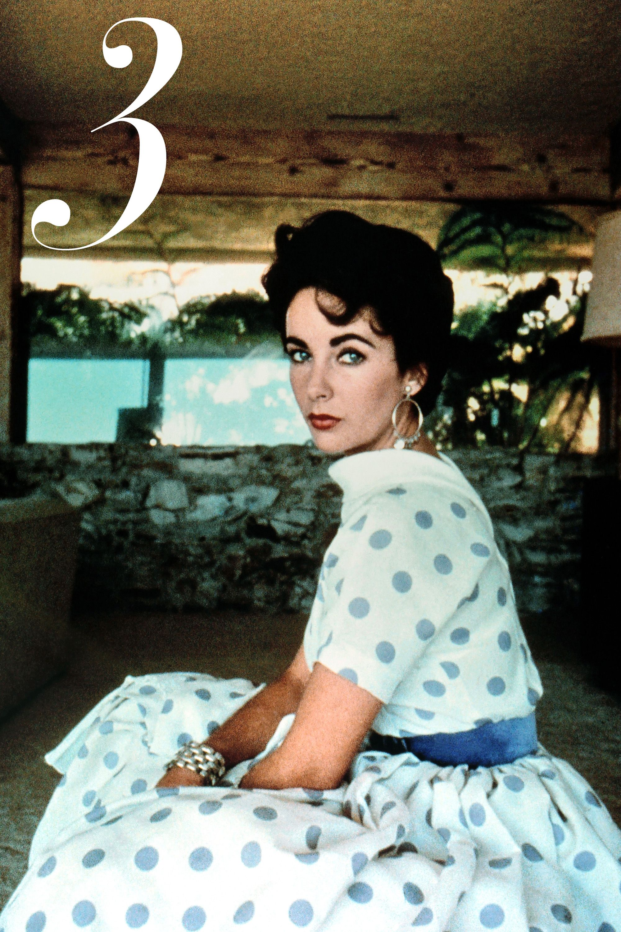 On-screen and off, Elizabeth Taylor was obsessed with elegance. She frequently wore shades of emerald—a stark contrast with her raven-hued hair silk turbans, high empire-waisted dresses and luxe Bulgari jewels.