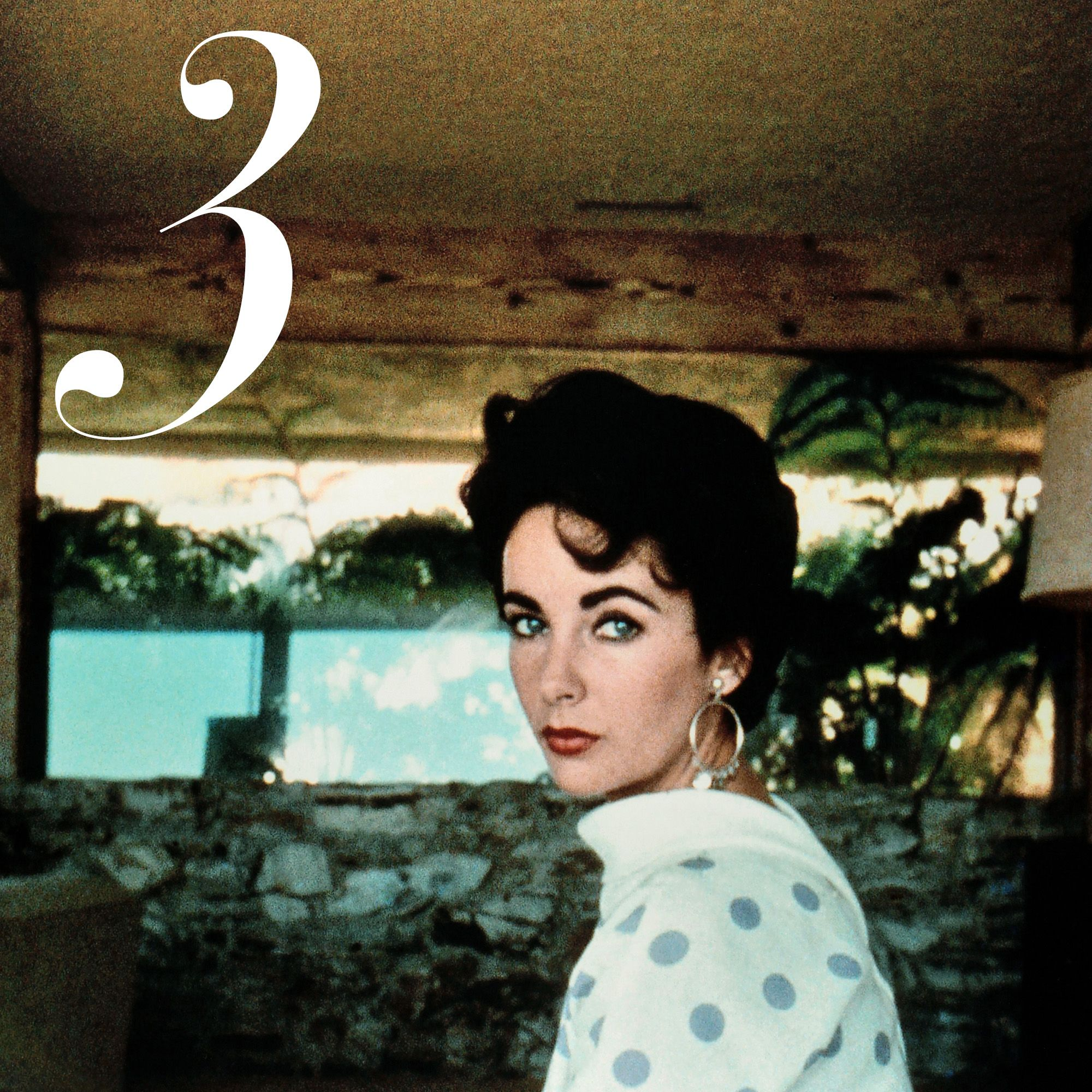 On-screen and off, Elizabeth Taylor was obsessed with elegance. She frequently wore shades of emerald—a stark contrast with her raven-hued hair&nbsp&#x3B;silk turbans, high empire-waisted dresses and luxe Bulgari jewels.