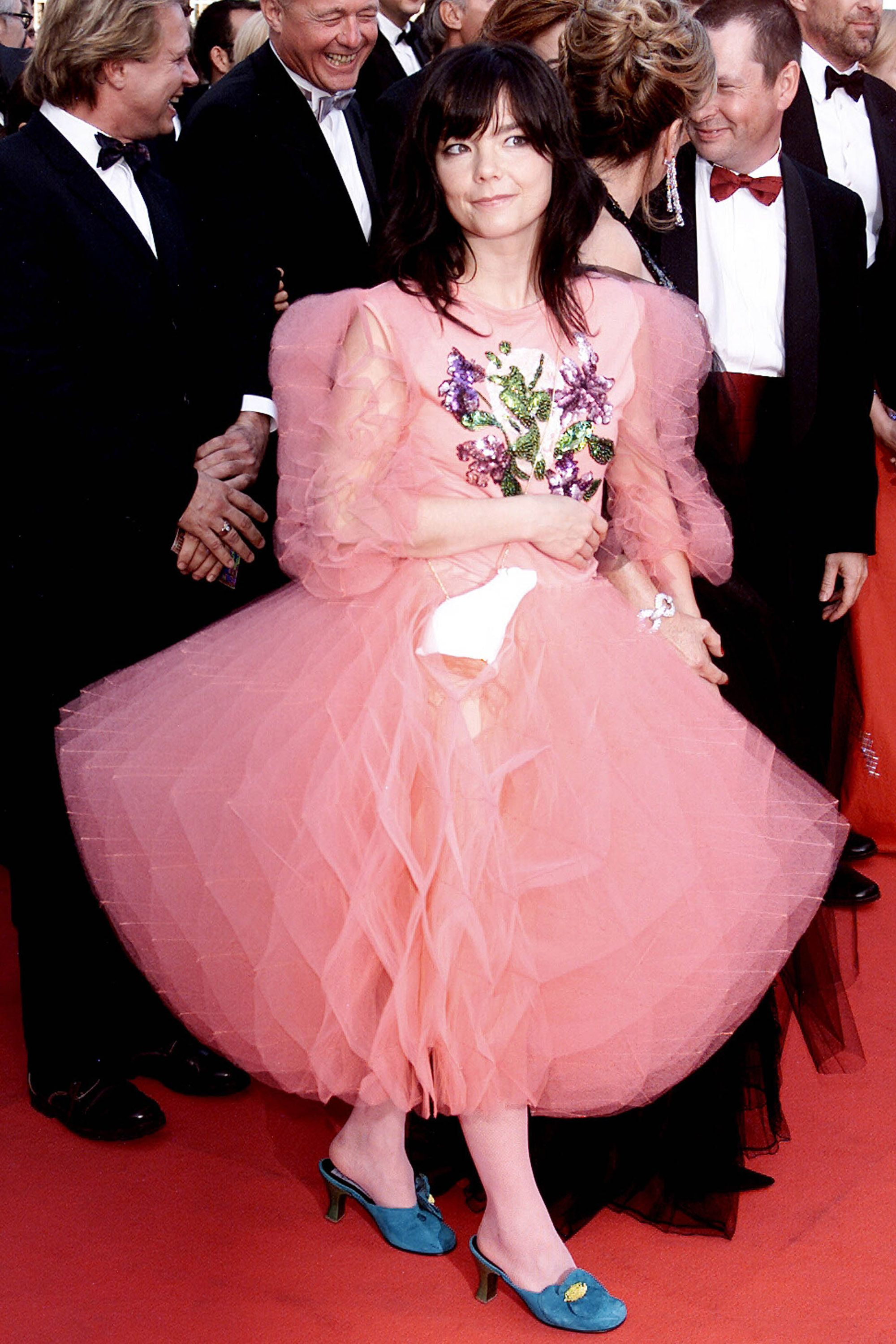 "CANNES - MAY 17: Icelandic pop star Bjork arrives at the premiere of her film ""Dancer In The Dark"" at the International Film Festival on May 17, 2000 in Cannes, France. (Photo by Dave Hogan/Getty Images)"