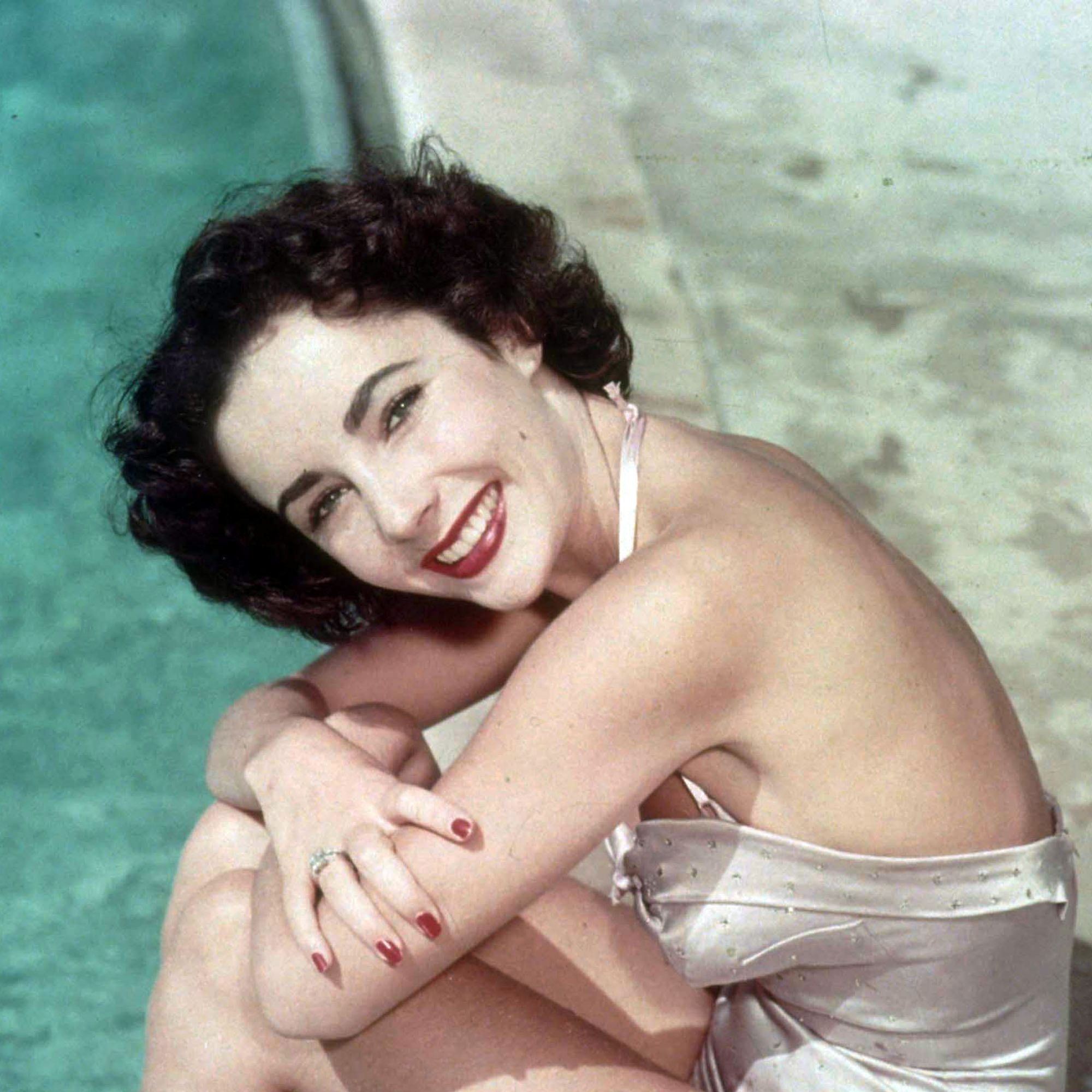 A portrait of actress Elizabeth Taylor in the 1950's.  (Photo by Eric Ryan/Getty Images) *** Local Caption *** Elizabeth Taylor