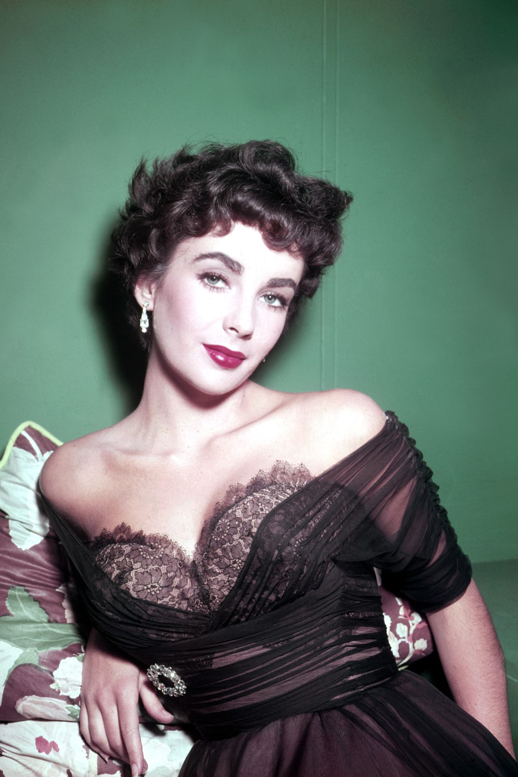 Watch Elizabeth Taylor video