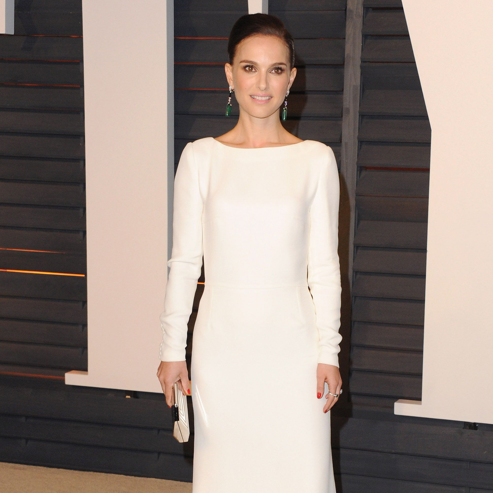 BEVERLY HILLS, CA - FEBRUARY 22:  Actress Natalie Portman arrives at the 2015 Vanity Fair Oscar Party Hosted By Graydon Carter at Wallis Annenberg Center for the Performing Arts on February 22, 2015 in Beverly Hills, California.  (Photo by Jon Kopaloff/FilmMagic)