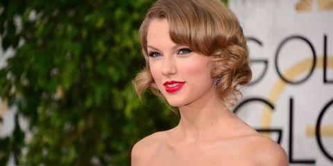 Lip, Hairstyle, Chin, Forehead, Eyelash, Eyebrow, Style, Jaw, Beauty, Neck,