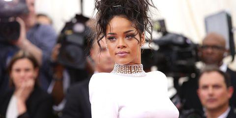Hairstyle, Earrings, Eyelash, Style, Street fashion, Fashion model, Model, Makeover, Body jewelry, Eye liner,