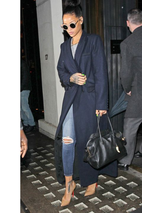 LONDON, ENGLAND - DECEMBER 02:  Rihanna seen leaving Hakkasan Restaurant in Mayfair on December 2, 2014 in London, England.  (Photo by Neil Mockford/Alex Huckle/GC Images)