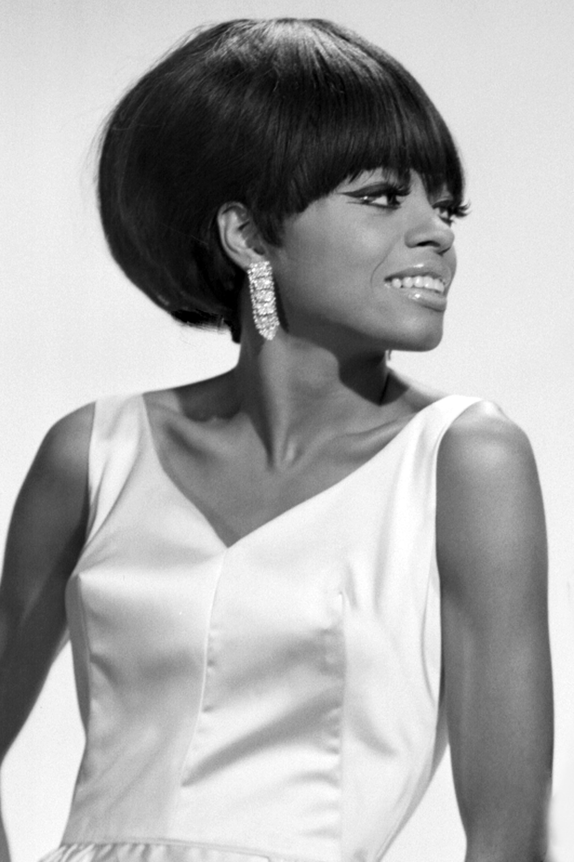 NEW YORK - CIRCA 1964:  Singer Diana Ross of The Supremes poses for a portrait circa 1964 in New York City, New York.  (Photo by James Kriegsmann/Michael Ochs Archives/Getty Images)