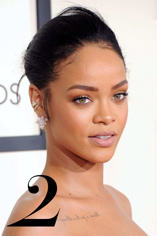 LOS ANGELES, CA - FEBRUARY 08:  Singer Rihanna arrives at the 57th GRAMMY Awards at Staples Center on February 8, 2015 in Los Angeles, California.  (Photo by Jon Kopaloff/FilmMagic)