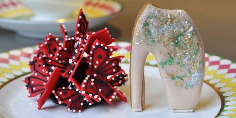 Red, Carmine, Insect, Glitter, Porcelain, Arthropod, Invertebrate, Mannequin, Plastic arts, Creative arts,