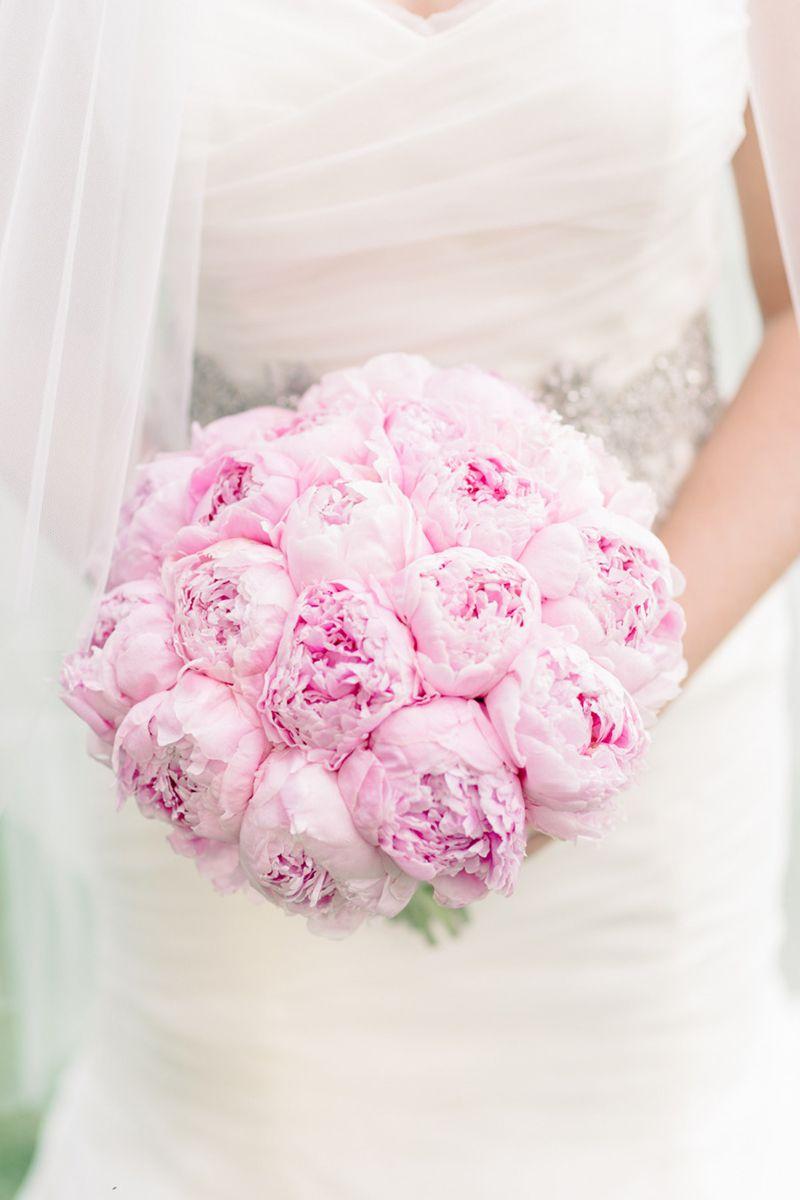 Single Bloom Bouquets Ideas Chic Wedding Bouquet Ideas