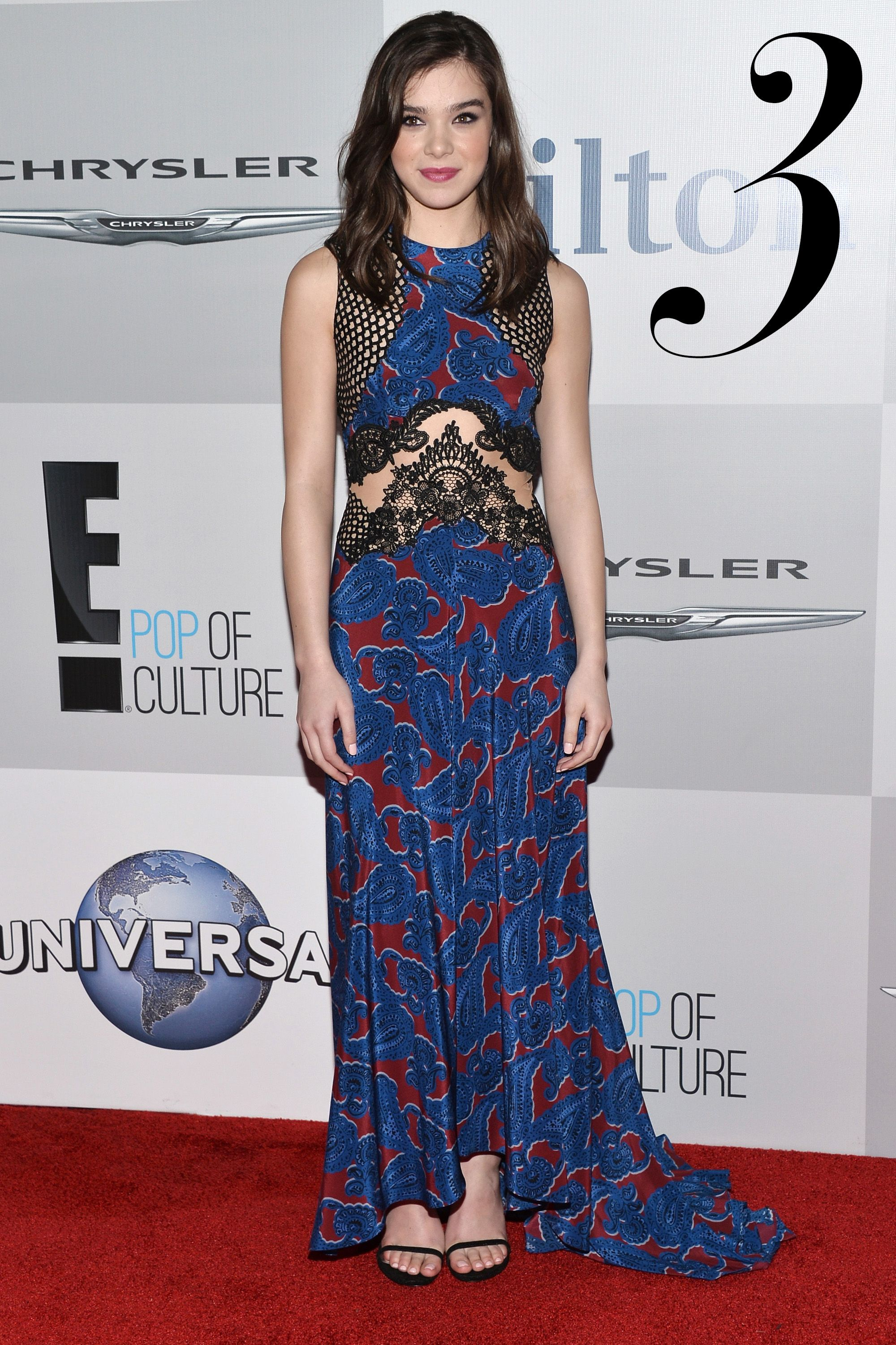 <em>Hailee Steinfeld in Stella McCartney</em>