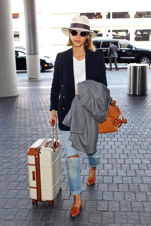 LOS ANGELES, CA - MARCH 21: Jessica Alba seen at LAX on March 21, 2015 in Los Angeles, California.  (Photo by GVK/Bauer-Griffin/GC Images)