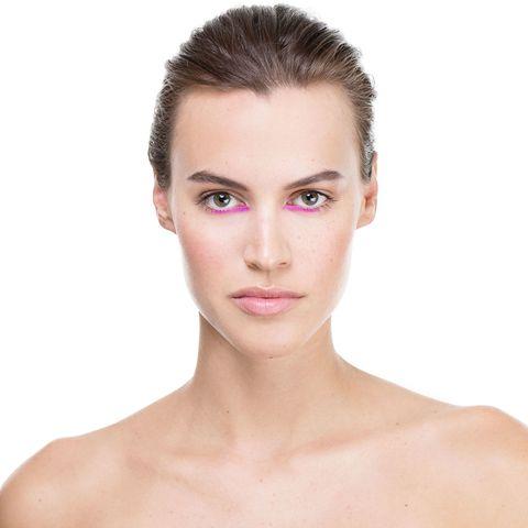 Ear, Lip, Cheek, Skin, Hairstyle, Chin, Forehead, Shoulder, Eyebrow, Eyelash,