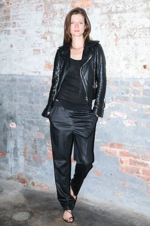 Clothing, Sleeve, Shoulder, Textile, Joint, Outerwear, Style, Collar, Street fashion, Jacket,