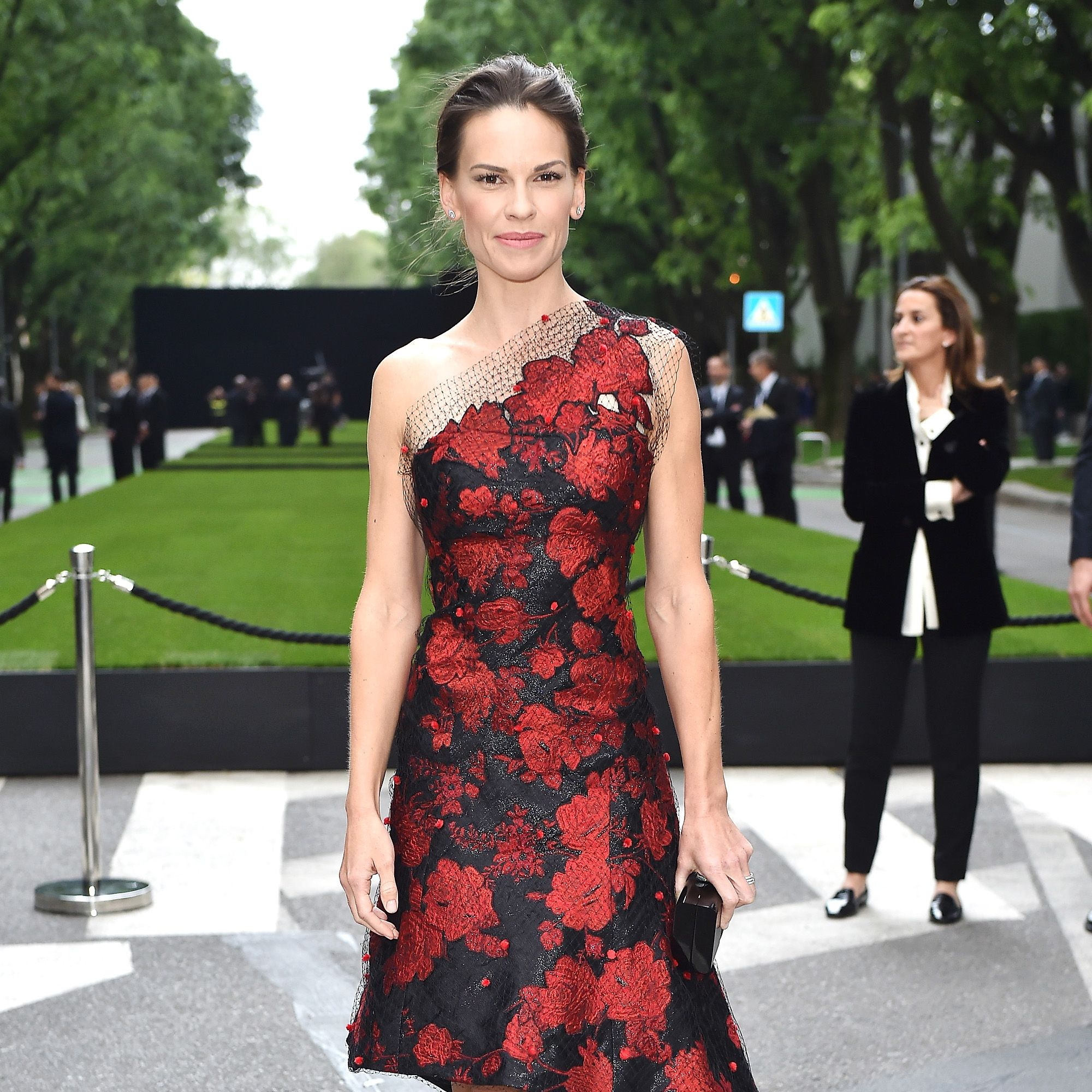MILAN, ITALY - APRIL 30:  Hilary Swank attends the Giorgio Armani 40th Anniversary  Silos Opening And Cocktail Reception on April 30, 2015 in Milan, Italy.  (Photo by Jacopo Raule/Getty Images  for Giorgio Armani)