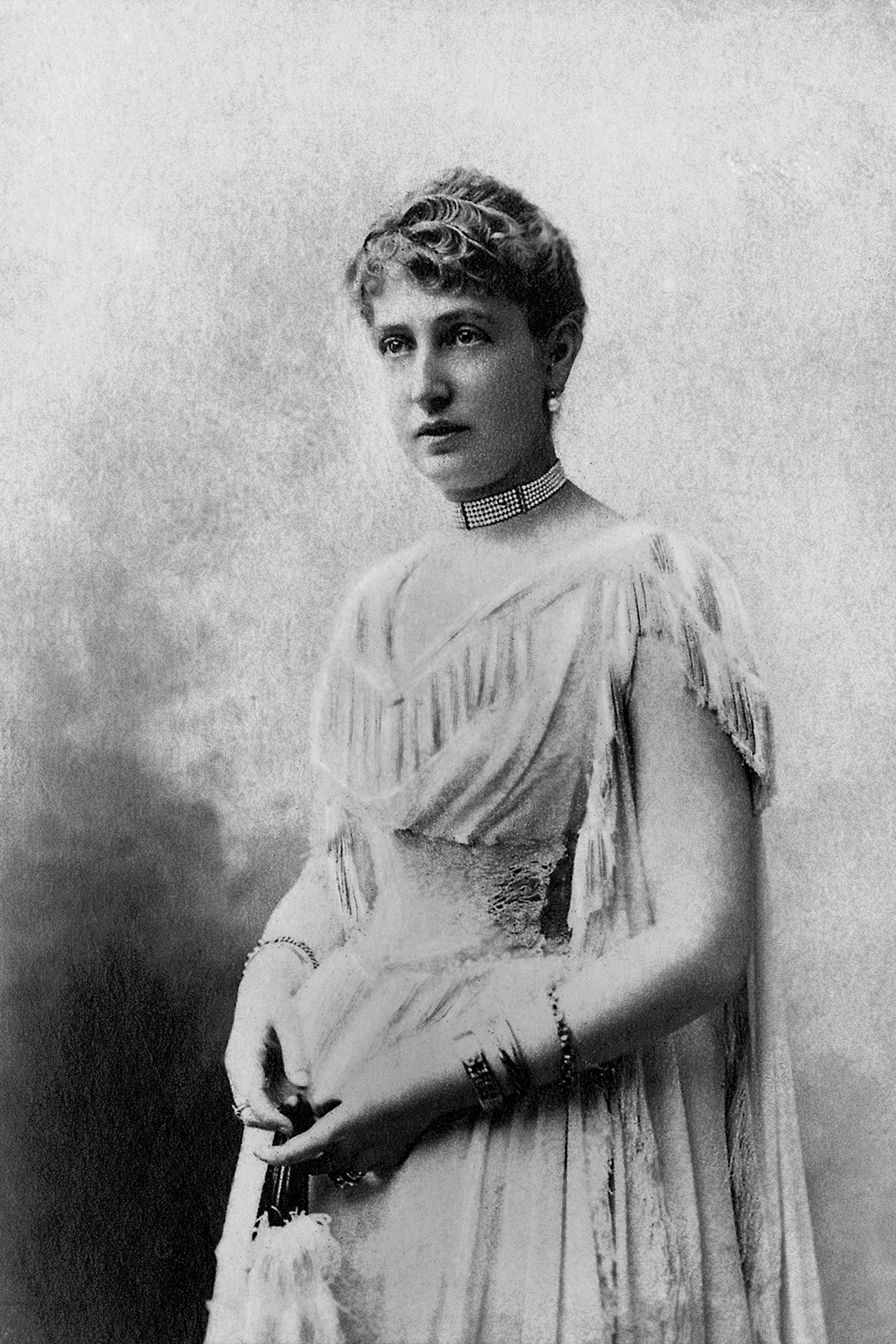 Marie Alice Heine (1858-1925) devint Princesse de Monaco en epousant AlbertIerPrincedeMonaco de la famille Grimaldi , le 31 octobre 1889. Leur divorce est prononce le 30 mai 1902 , photographiee entre 1889 et 1900 , extrait de la collection Felix Potin , 500 celebrites contemporaines , Souverains etrangers et leur famille Monaco --- Marie Alice Heine (1858-1925) , became the Princess of Monaco by marrying AlbertIerPrincedeMonaco of the family Grimaldi, October 31, 1889.  Their divorce east pronounces on May 30, 1902 , photographied between 1889 and 1900, extracted from the collection Felix Potin, 500 contemporary celebrities , Foreign sovereigns and their family Monaco