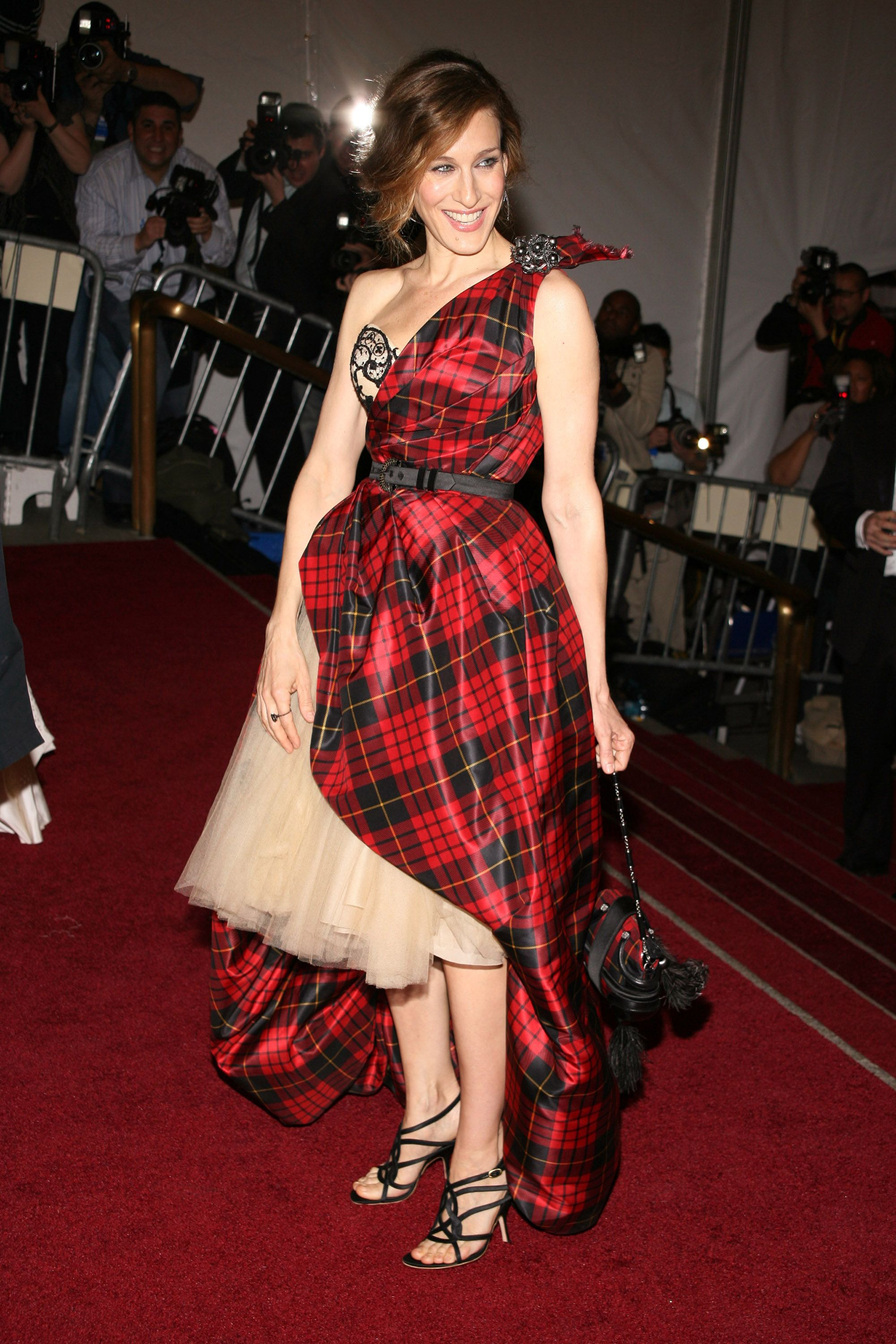 """Sarah Jessica Parker at the The """"Costume Institute Gala"""" celebrating """"AngloMania: Tradition and Transgression on British Fashion"""". at Metropolitan Museum of Art in New York, New York.   (Photo by Sylvain Gaboury/FilmMagic)"""