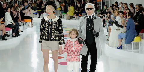 Clothing, Eyewear, Footwear, Leg, Vision care, Winter, Hat, Trousers, Event, Shirt,