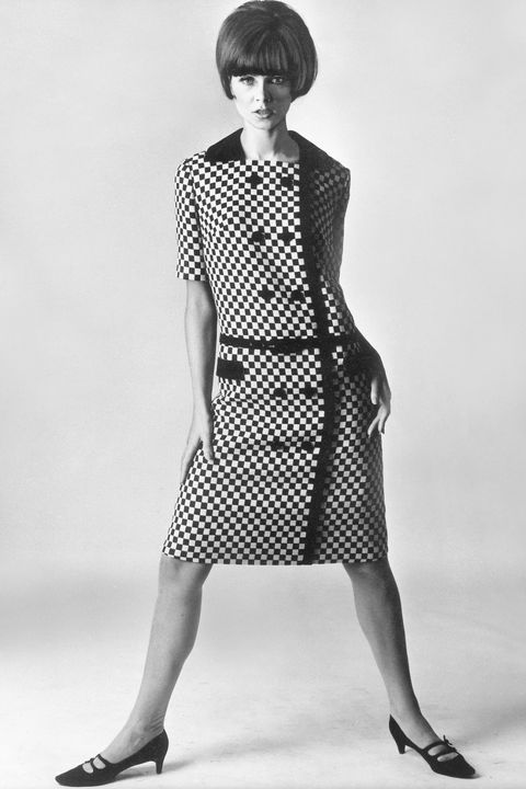 (GERMANY OUT) Jugendliches Kleid im Stil von Courreges aus Wolle (Double face)Modell: Selma Neumann, Berlin1965 (Photo by ullstein bild/ullstein bild via Getty Images)