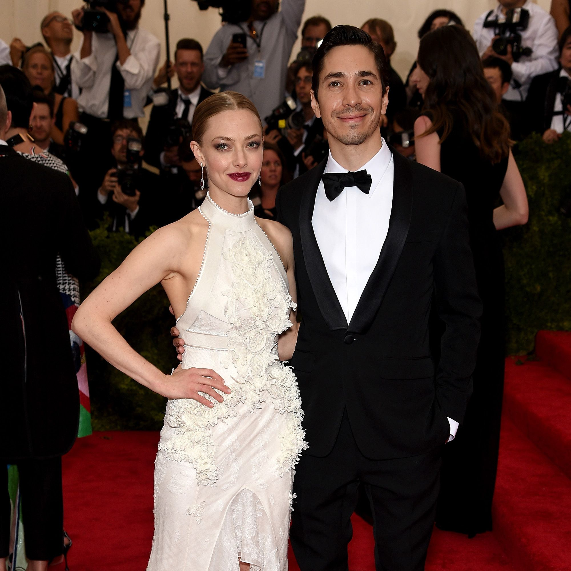 "NEW YORK, NY - MAY 04:  Amanda Seyfried (L) and Justin Long attend the ""China: Through The Looking Glass"" Costume Institute Benefit Gala at the Metropolitan Museum of Art on May 4, 2015 in New York City.  (Photo by Dimitrios Kambouris/Getty Images)"