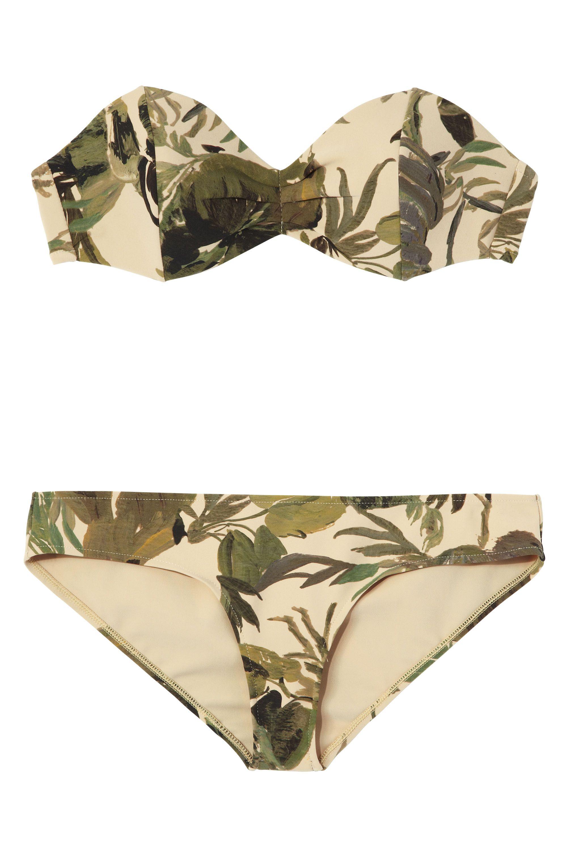 <strong>Tomas Maier </strong>bikini, $495, 212-988-8686.