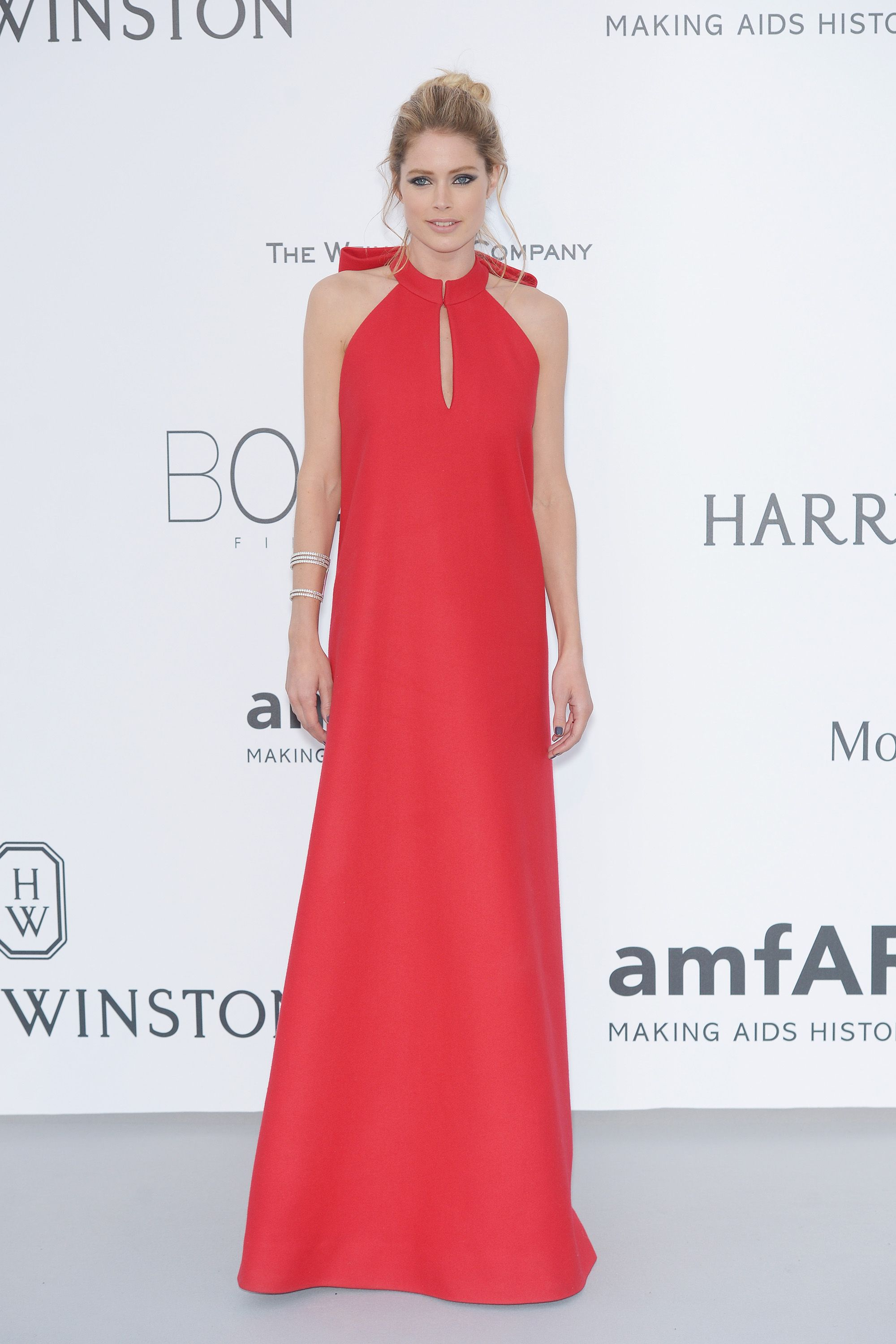 CAP D'ANTIBES, FRANCE - MAY 21:  Model Doutzen Kroes attends amfAR's 22nd Cinema Against AIDS Gala, Presented By Bold Films And Harry Winston at Hotel du Cap-Eden-Roc on May 21, 2015 in Cap d'Antibes, France.  (Photo by Dominique Charriau/WireImage)