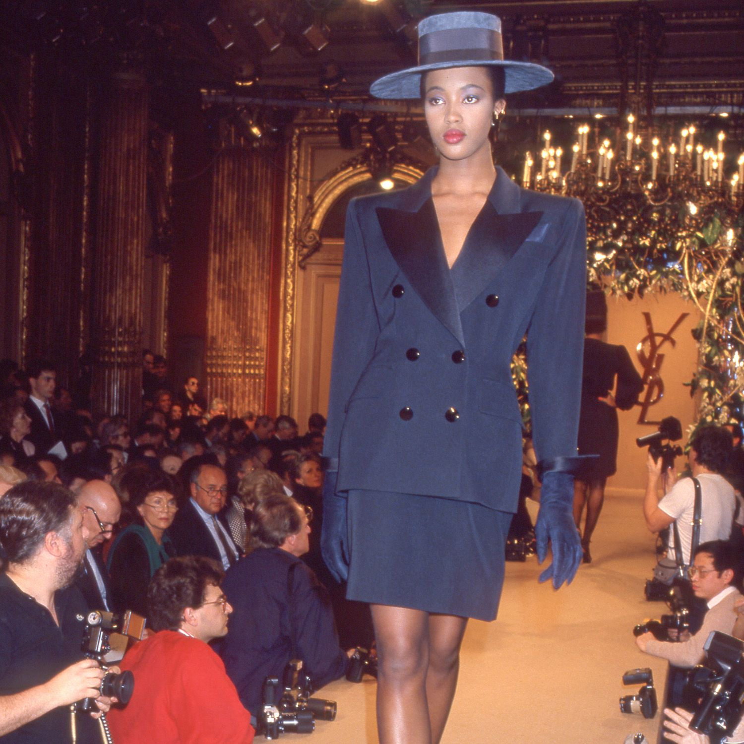 ARCHIVES - NAOMI CAMPBELL - DEFILE DE MODE YVES SAINT LAURENT COLLECTION PRET A PORTER PRINTEMPS ETE 1988 A PARIS&#xA&#x3B;&#xA&#x3B;