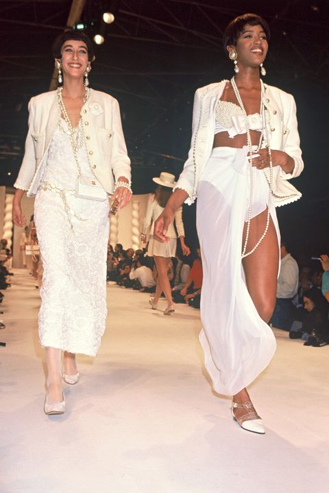 ARCHIVES - NAOMI CAMPBELL - DEFILE DE MODE CHANEL COLLECTION PRET A PORTER PRINTEMPS ETE 1990 A PARIS