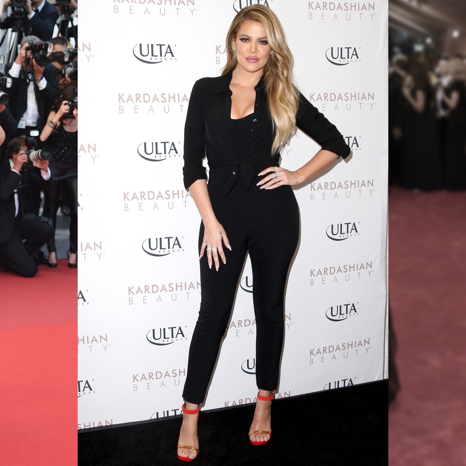 """<strong>The Celebs:</strong> Adriana Lima, Khloé Kardashian, Gigi Hadid<strong>The Workout:</strong> Boxing<strong>The Body Benefits:</strong> Shadow boxing is the biggest new boutique fitness craze&#x3B; the training exercises deliver ultratoned arms, improved core strength and stability and intense fat burning.<strong>The Hot Spots:</strong> <a target=""""_blank"""" href=""""http://shadowboxnyc.com/"""">Shadowbox</a>, <a target=""""_blank"""" href=""""https://overthrownyc.com/"""">Overthrow</a>, <a target=""""_blank"""" href=""""http://gothamgymnyc.com/"""">Gotham Gym</a>"""