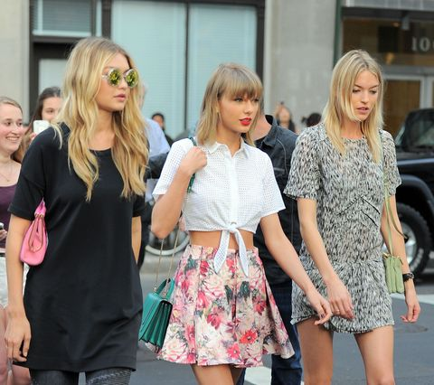 Taylor Swift Recreates Scene From 'Bad Blood' on NYC Streets