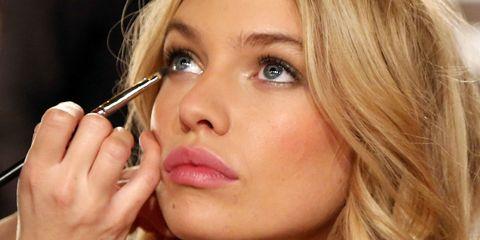 Lip, Cheek, Brown, Eye, Hairstyle, Skin, Chin, Eyelash, Eyebrow, Beauty,