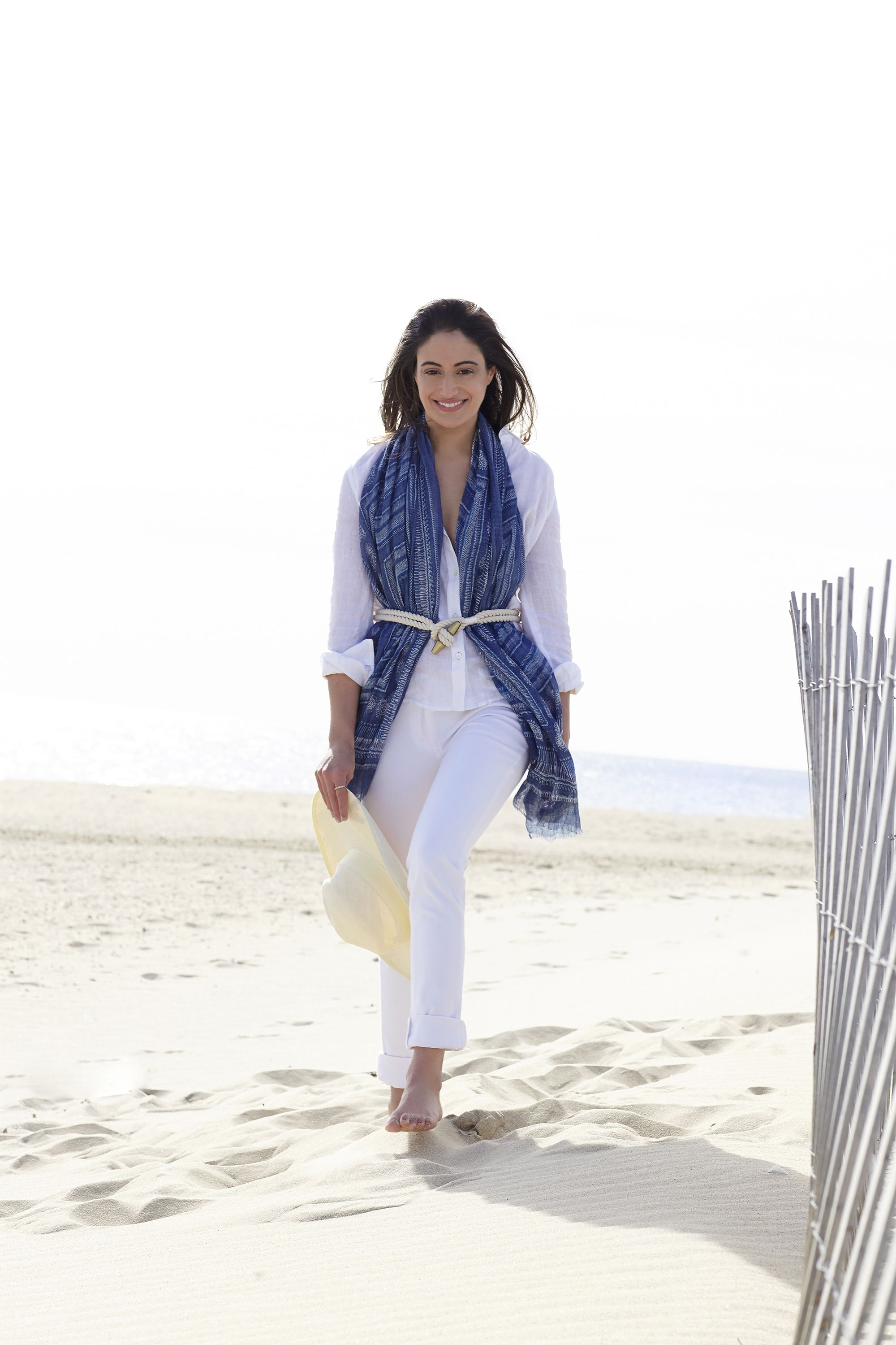 <p>Nothing says the season has arrived more than white separates. Layer a nautical rope belt over a lightweight scarf to add dimension to your beachy look.</p>