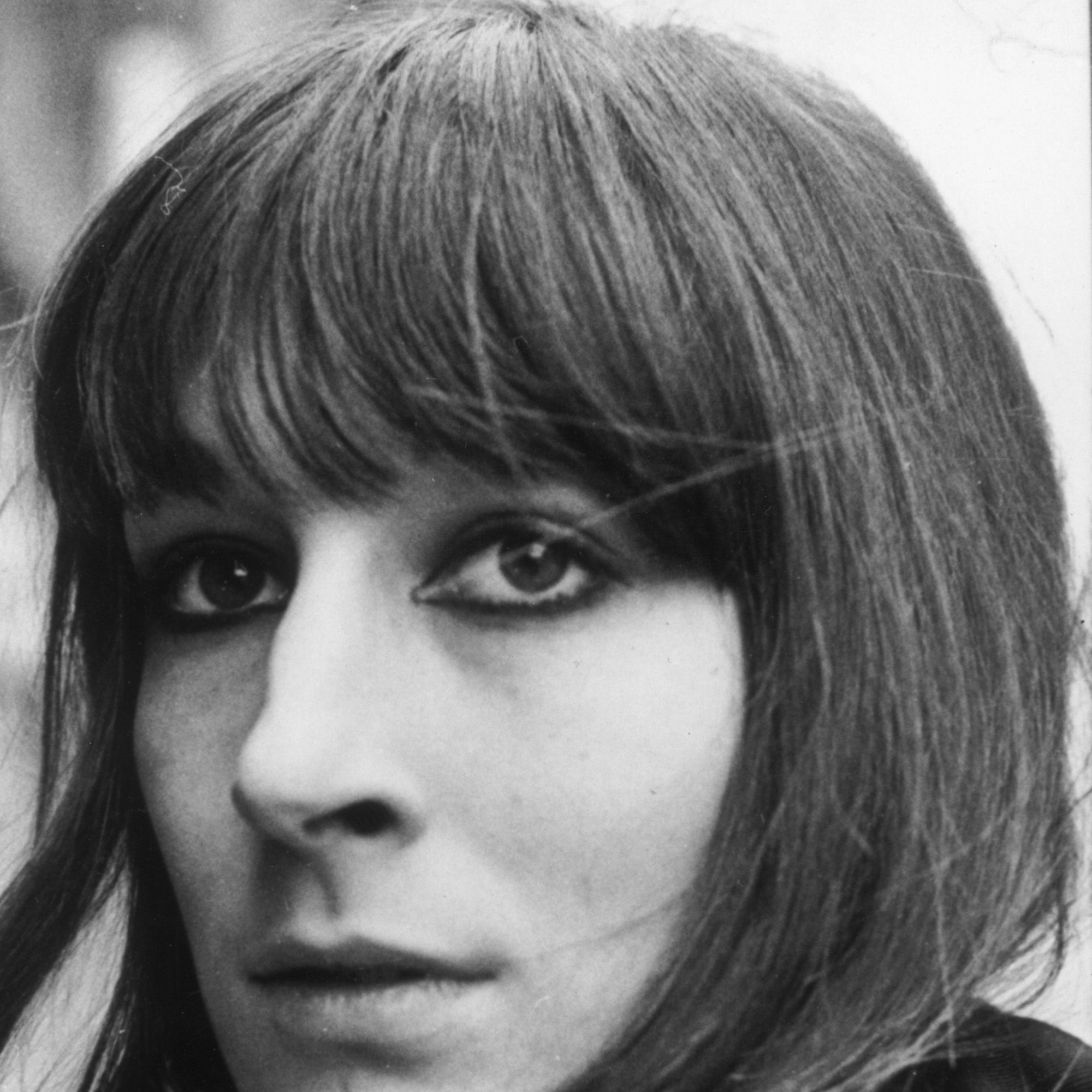 26th April 1971:  Film actress Anjelica Huston with a daffodil in her buttonhole.  (Photo by Evening Standard/Getty Images)