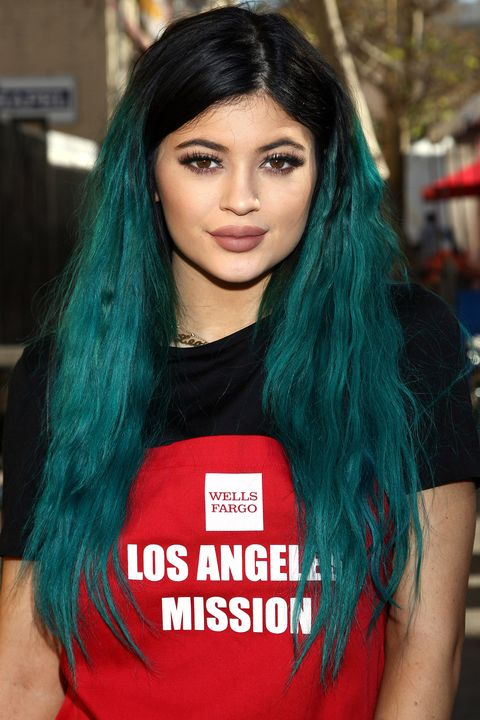 2014Ultra-long lashes and teal hair extensions in 2014.