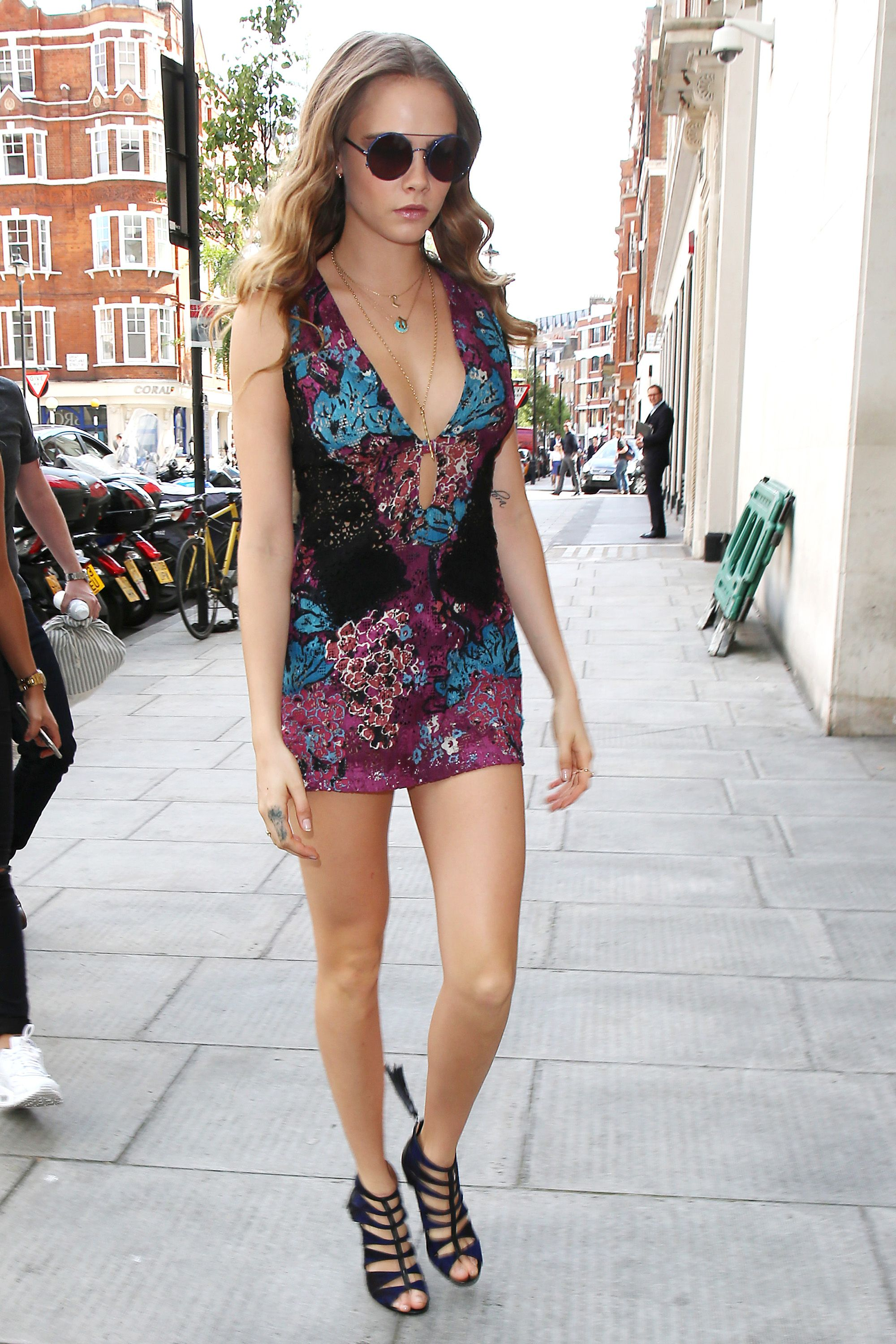 LONDON, ENGLAND - JUNE 18:  Cara Delevingne seen at BBC Radio One on June 18, 2015 in London, England.  (Photo by Neil Mockford/Alex Huckle/GC Images)