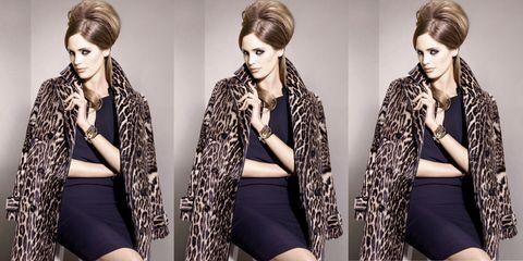 Hair, Hairstyle, Sleeve, Fashion model, Style, Eyelash, Beauty, Thigh, Fashion, Blazer,