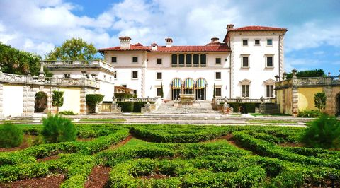 Built in the 1910s in the Spanish style, Vizcaya was once the summer home of agricultural industrialist James Deering.