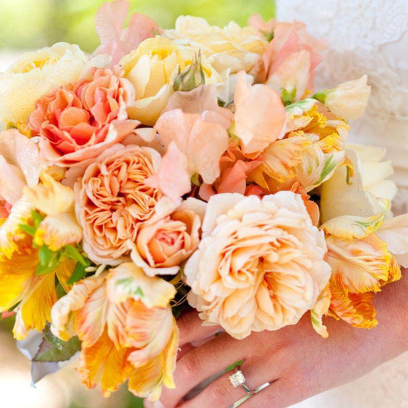 "<strong>Floral Design:</strong> <a target=""_blank"" href=""http://www.cherriesflowers.com/"">Cherries</a>"