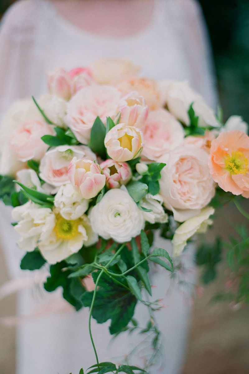 23 of the best garden rose wedding bouquets garden rose bouquet ideas for your wedding