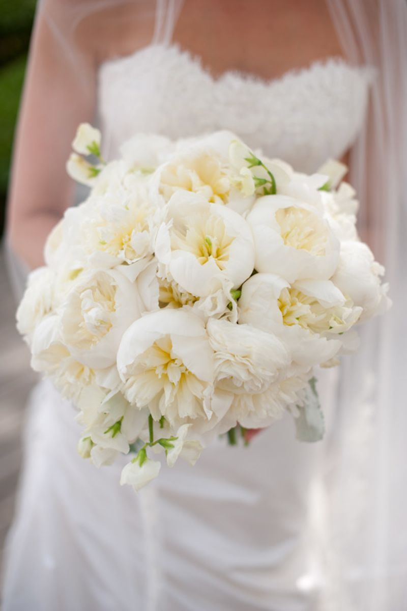 23 Of The Best Garden Rose Wedding Bouquets