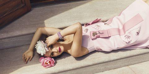 Human leg, Pink, Fashion accessory, Thigh, Fashion, Beauty, Petal, Knee, Model, Sandal,