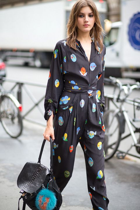 Language In 45 And 47 Stella Street: Paris Couture Week Street Style 2015