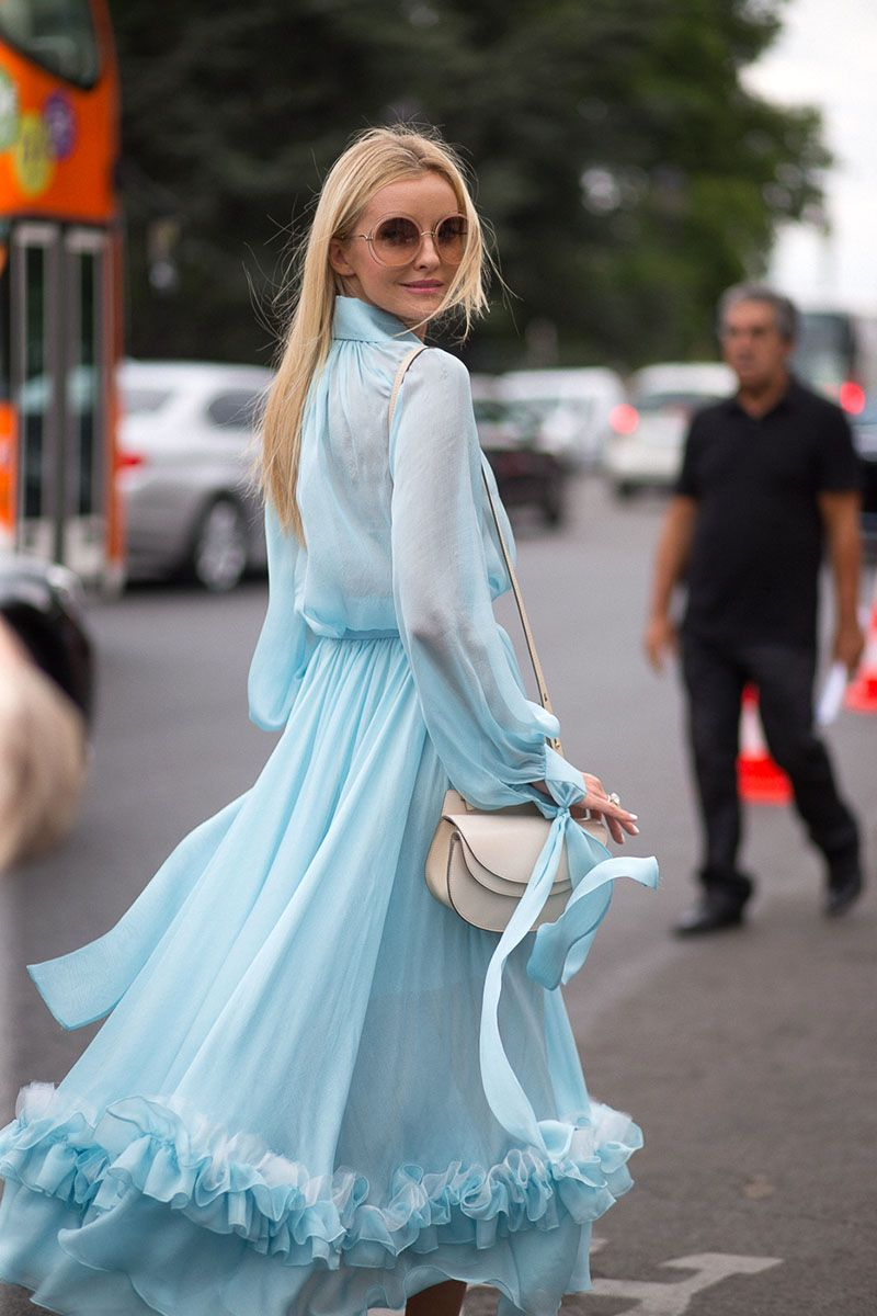 This Paris show-goer is all laid-back glamour, from eyewear to dress.